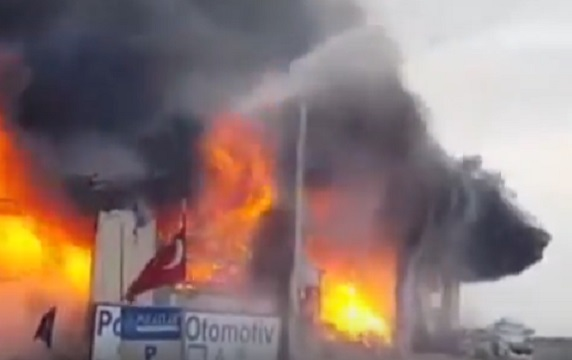 Sultanbeyli Sanayi Sitesi'nde patlama!