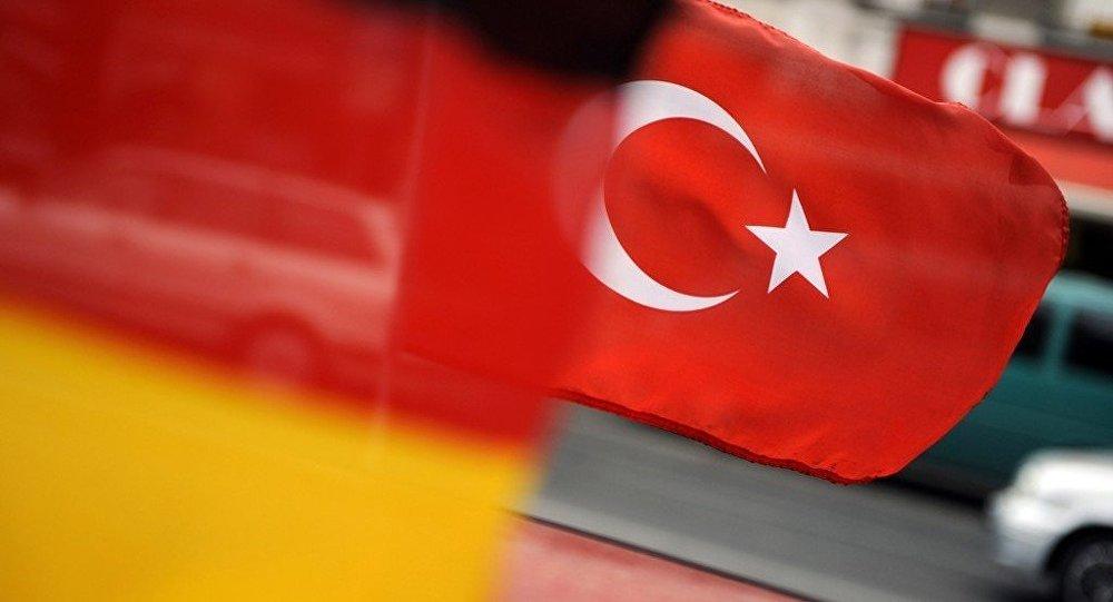 Almanya: Türkiye'nin siyasi iade taleplerini reddedeceğiz