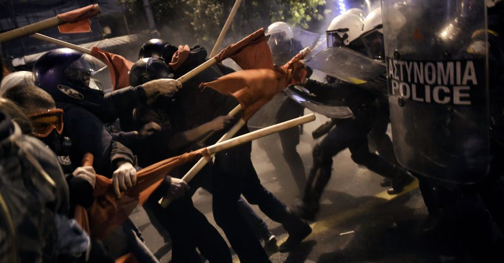 VİDEO | Atina'da Obama protestosuna polis saldırısı