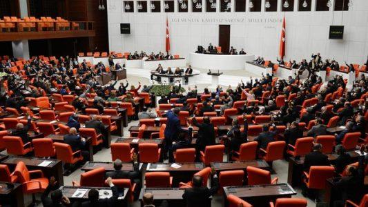 Meclis'te İP'le MHP arasında yer kavgası