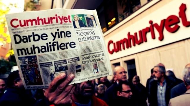 Cumhuriyet gazetesi davası ertelendi