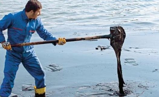 İzmir'de petrol felaketi: İzleri aylarca temizlenemeyecek...