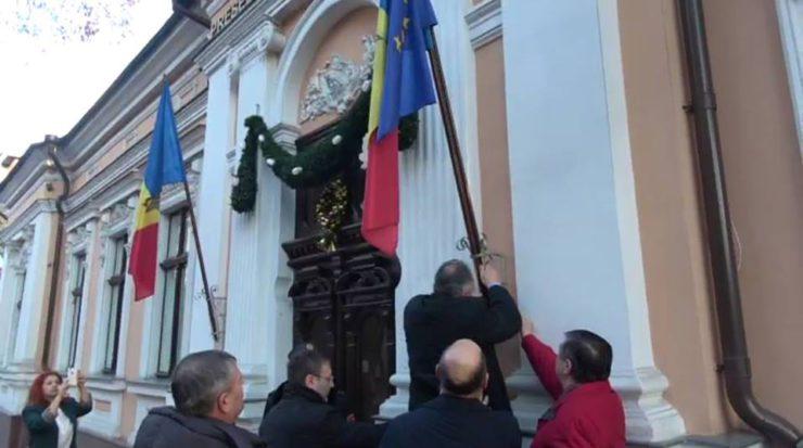 Moldova'da AB bayrağı indirildi