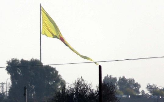 Sınıra YPG bayrağı asıldı