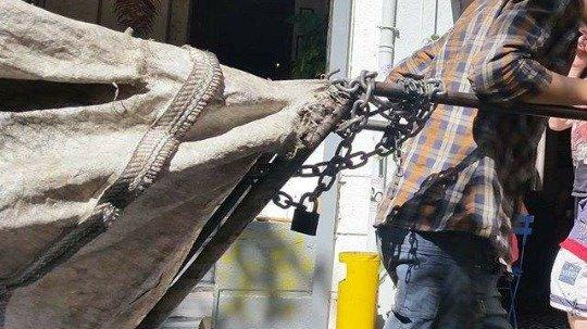 Başına parke taşıyla vurulan atık kağıt işçisi kurtarılamadı