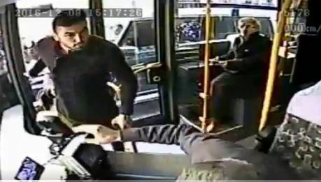 VİDEO | Burak Yılmaz, otobüs şöförüyle kavgaya kalkıştı