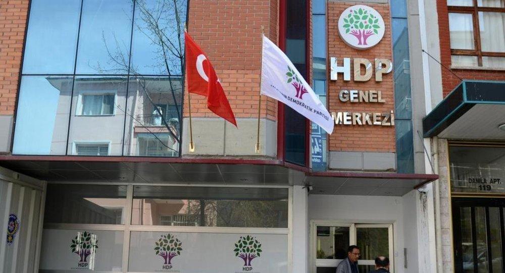 Eski HDP'li vekillerin 'ABD' tartışması gündem oldu