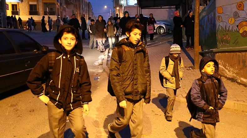 Velileri isyan ettiren 'karanlıkta okul yolu' uygulamasında karar verildi