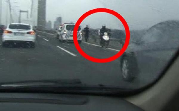 Erdoğan'ın güzergahında'ters yönde giden motorsiklet' paniği