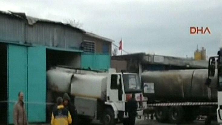 Büyükçekmece'de akaryakıt tankerinde patlama: Yaralılar var