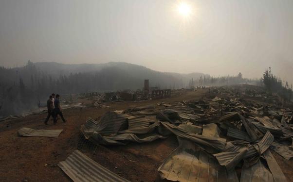Şili'de tarihi felaket: Orman yangınları bütün bir kenti yok etti