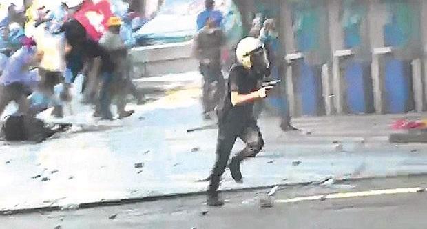 Ethem'i suçlu çıkaran mahkeme, katil polisin silahını da geri verecek!