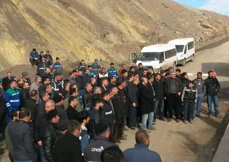 Şirvan'da madenciler üretimi durdurdu!