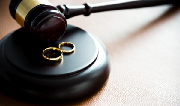 'Bekar arkadaş' boşanma nedeni sayıldı