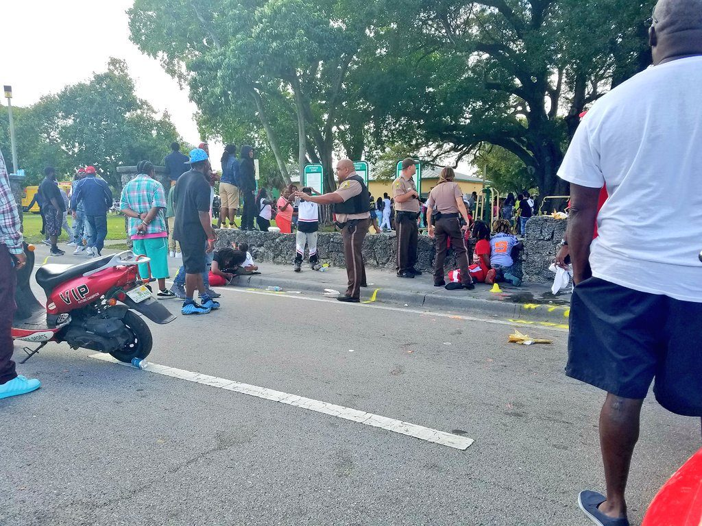 Miami'de Martin Luther King Jr. anma yürüyüşünde kalabalığa ateş açıldı