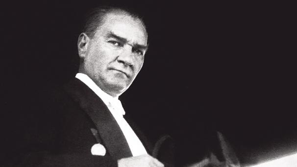 Yeni müfredatta Atatürk yok!