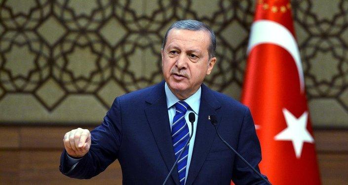 Erdoğan kimi kandırıyor?