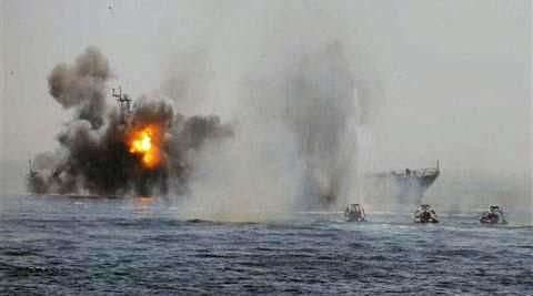 ABD donanması İran gemilerine ateş açtı!