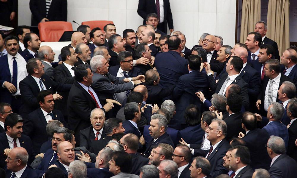 Başkanlık teklifi Erdoğan'a gönderildi