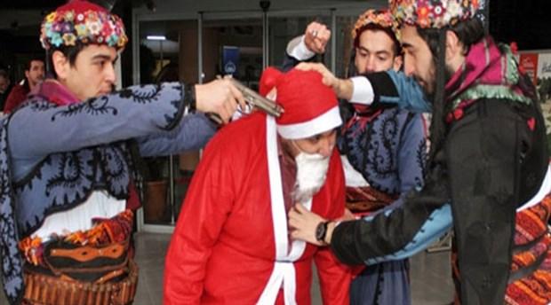 Noel Baba'nın başına silah dayama eylemine soruşturma yok