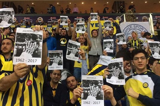 Fenerbahçe taraftarı'Evet' kampanyası başlatan Rıdvan Dilmen'i böyle andı!