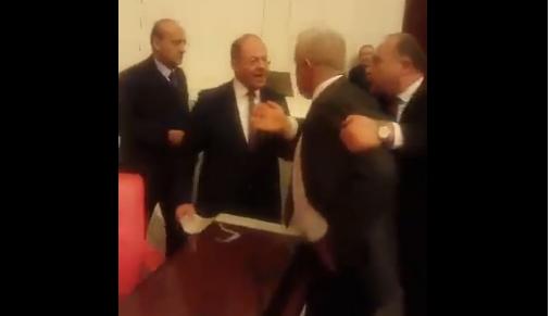 VİDEO | Açık oy kullanan Sağlık Bakanı Recep Akdağ: Suçsa suç sana mı soracağım lan!