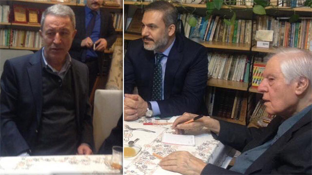 Hulusi Akar ve Hakan Fidan Cumhuriyet düşmanı İslamcı yazarı evinde ziyaret etti!