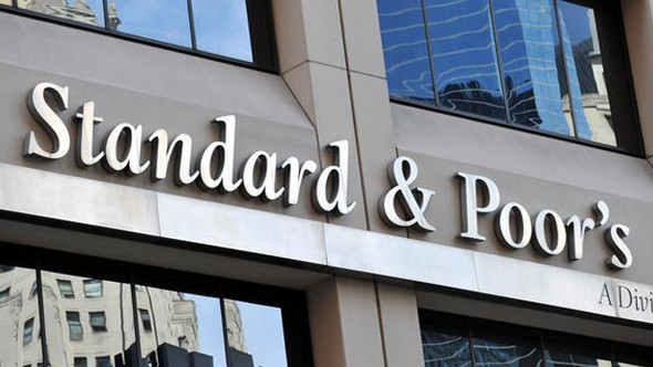 S&P 4 Türk bankasının notunu indirdi