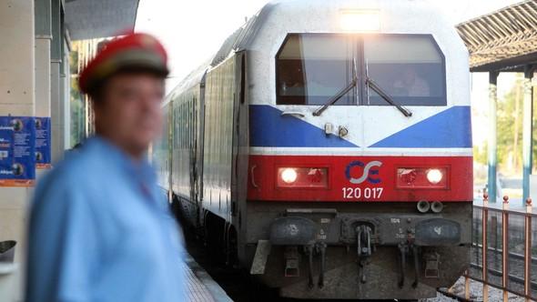 SYRIZA işçi sınıfına ihanet etmeye devam ediyor: Bu sefer de demiryolları…