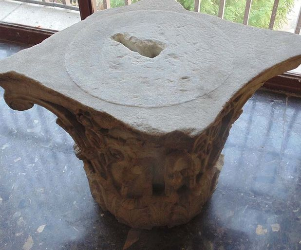 Kafeteryada sehpa olarak kullanılan mermer bin 800 yıllık Roma dönemi eseri çıktı