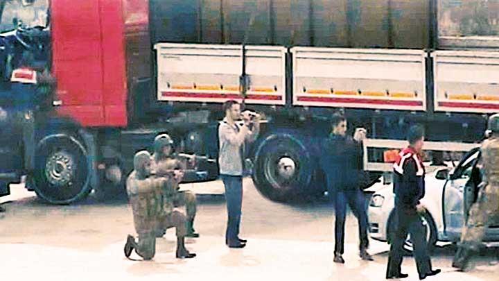 Şaka gibi ama değil: MİT TIR'ları savcılarını tutuklayan hakim 'FETÖ'den açığa alındı