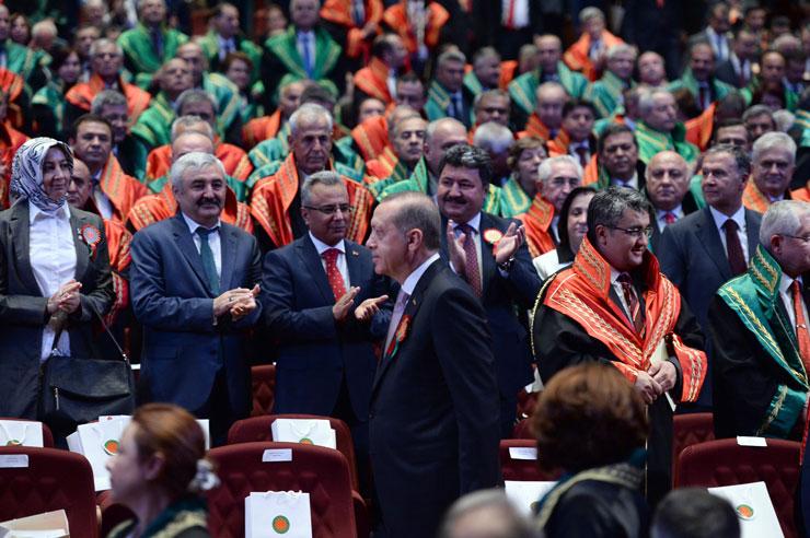 Yargıdan Erdoğan'ın hakaretlerine özgürlük: O Cumhurbaşkanı, istediğini söyler!