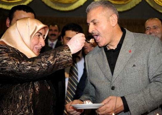 AKP'nin pasta ve çiçeğine devletin kesesinden en az 545 milyon lira gitti!