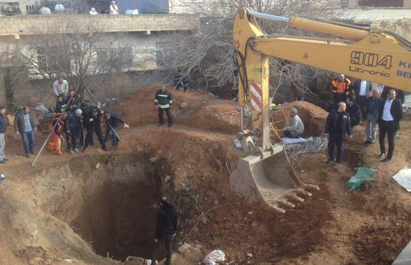 Mardin'de göçük: Define için 70 metrelik kuyuya giren bir kişi mahsur
