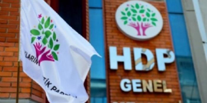 Suriye Devlet Televizyonu muhabirleri HDP binası önünde gözaltına alındı