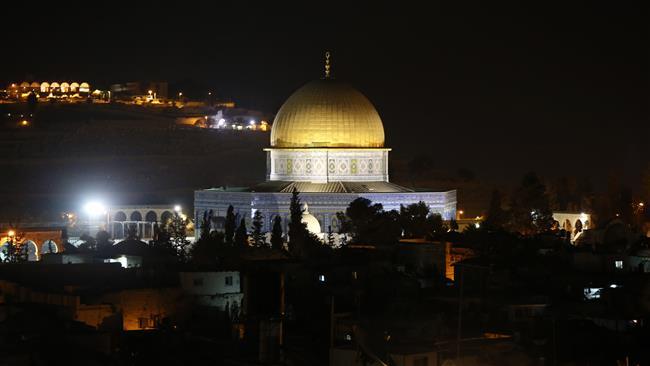 İsrail gece saatlerinde hoparlörden ezanı yasakladı