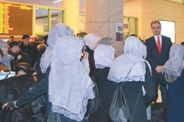 Aile Bakanlığı korunma kararı olan çocukları tarikatlara teslim etti!