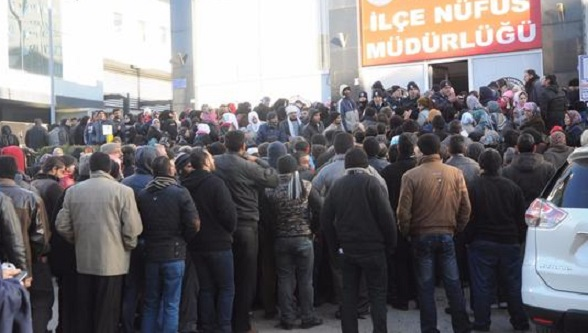 AKP'den Suriyelilere vatandaşlık kararı: