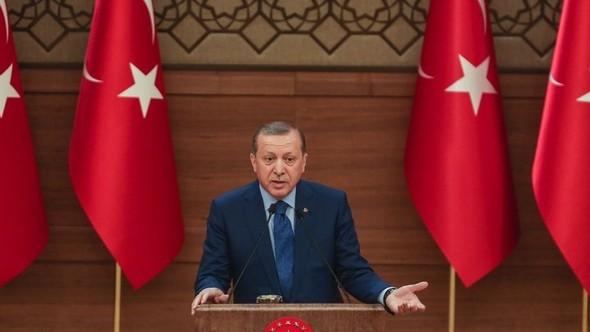 Erdoğan muhtarlar toplantısında cumhuriyetçi kesildi: Cumhuriyet'ten geri adım atmak...