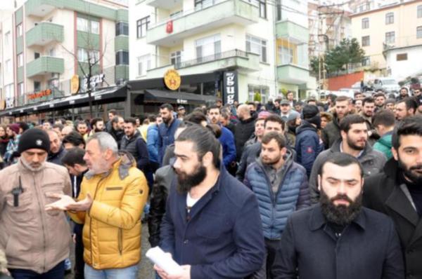 Trabzon'da işletmeciler yeni yasaklara karşı sokakta: Yüzlerce kişi işsiz kalacak