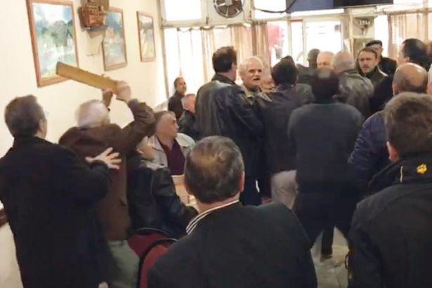 CHP'li vekile kahvehanede okey ıstakasıyla saldırı