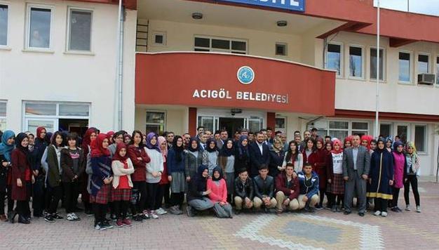 AKP'li belediye ve ilçe başkanları okul okul gezip'Evet' propagandası yapıyor!