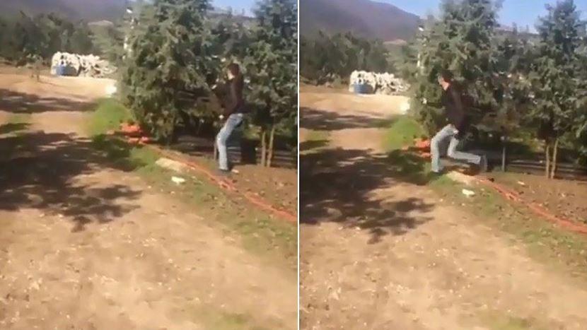 VİDEO | Akıl almaz görüntüler: Köpeğe mermi yağdırıp videoya çektiler