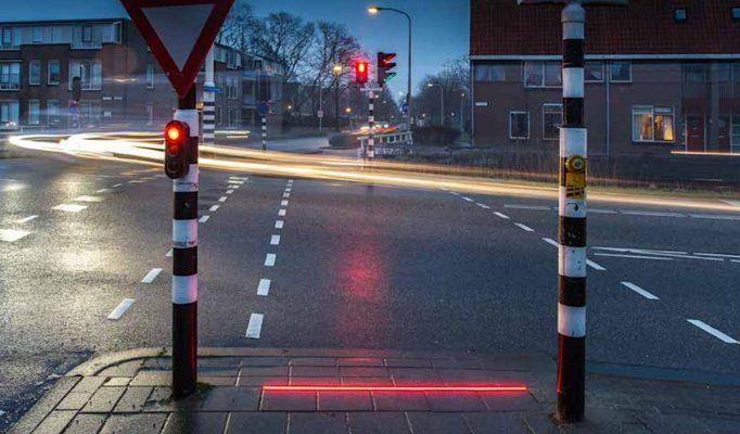 Telefon kullanıcıları yüzünden Hollanda şehrinde trafik lambalarının yeri değişti