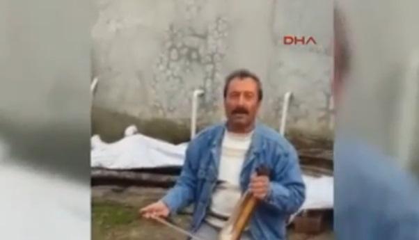 VİDEO | Kemençe çalarken kalp kriziyle hayatını kaybetti