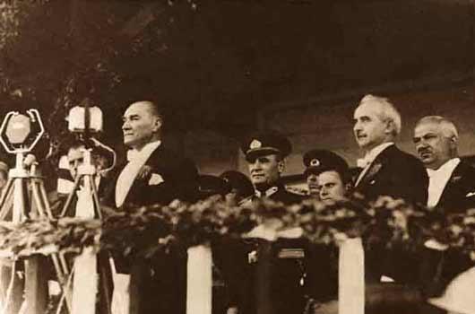 Atatürk'ün yazdığı 'Nutuk' yasaklandı