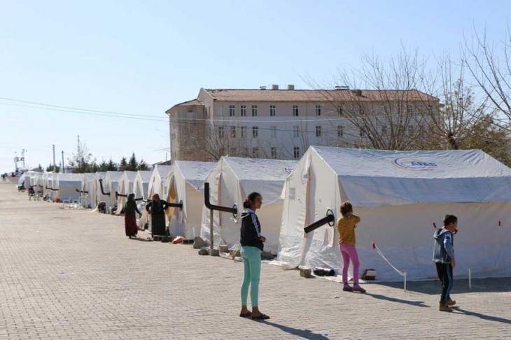 Adıyaman'da deprem sonrası eğitim çadırlarda devam edecek
