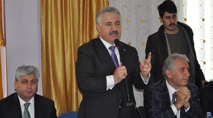 AKP'den malumu ilam: Öyle sokaktan 18 yaşındaki genci alıp milletvekili yapacak halimiz yok