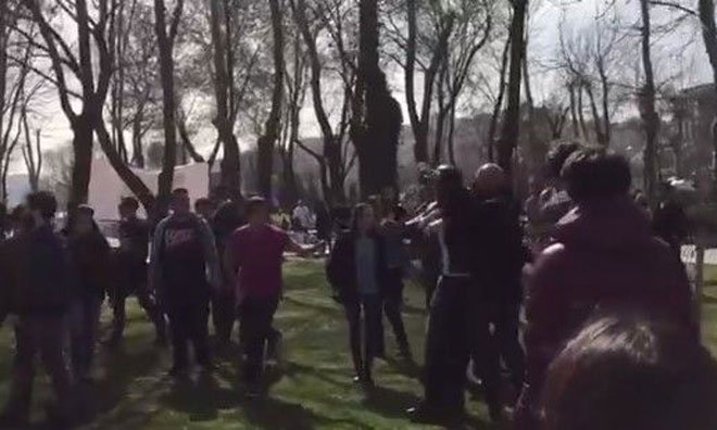 VİDEO | Bilgi Üniversitesi'nde 8 Mart etkinliğine gerici saldırı