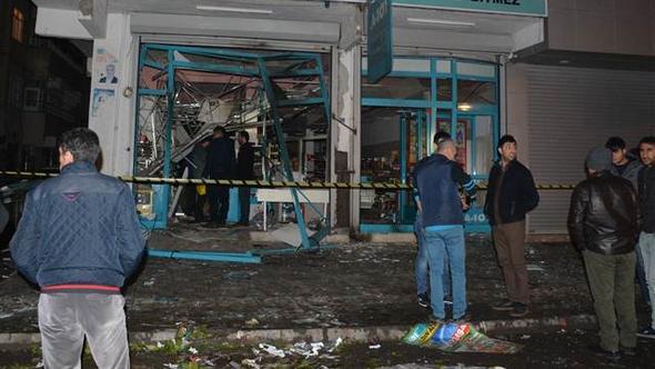 Diyarbakır'da markete el yapımı patlayıcı atıldı